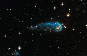 """NASA哈勃望远镜看到的""""宇宙毛虫 """""""
