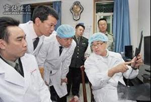 王立军在锦州市公安局现场心理研究中心现场进行无创伤解剖研究