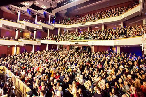 BBC專訪:神韻英國演出為何票房火爆?